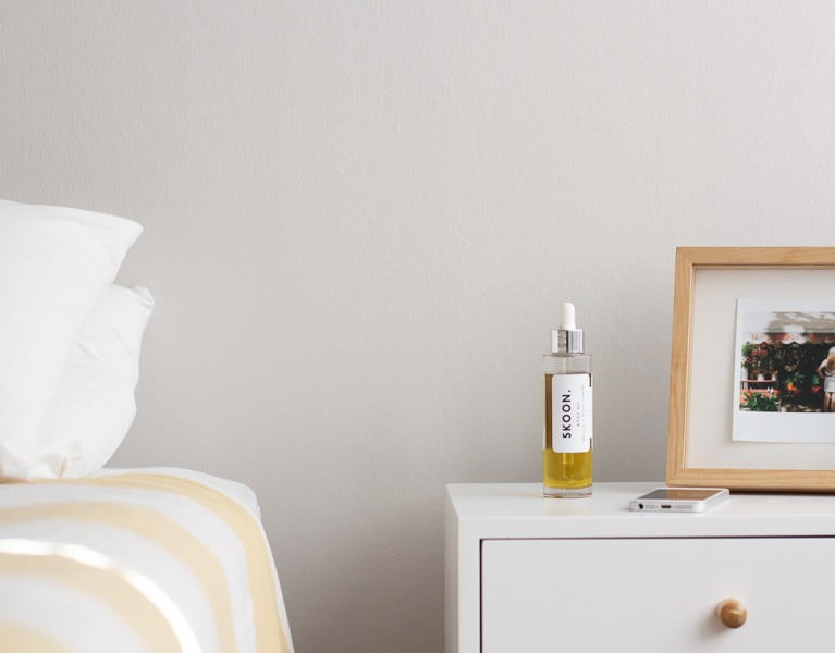 Whats on my nightstand by Melissa Louise